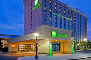 Exterior View of Holiday Inn Philadelphia Stadium