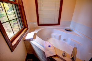 Jacuzzi at The Evergreens On Fall River.