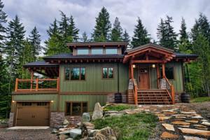 Exterior view of Wing Creek Cabins Resort.