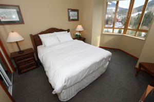 Guest bedroom at Whistler Cascade Lodge.
