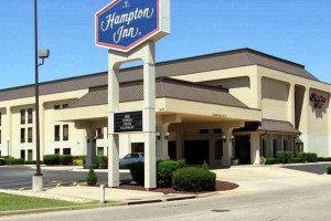 Exterior view of Hampton Inn Joplin.