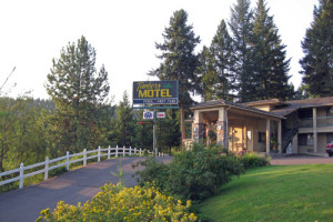 Exterior view of The Timbers Motel.
