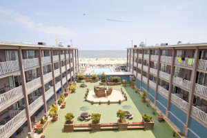 The courtyard at Flagship Oceanfront Hotel Ocean City.