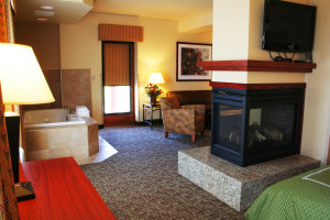 Whirlpool suite at Comfort Suites Canal Park.