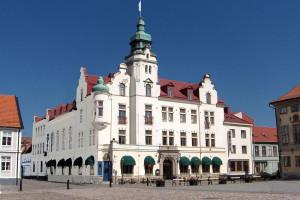 Exterior view of Provobis Calmar Stadshotell.