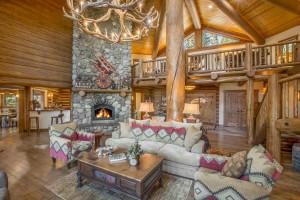 Rental living room at Tahoe Getaways.