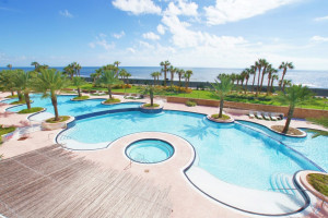 Vacation rental pool at Ryson Vacation Rentals.