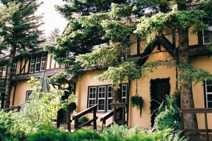 Exterior view of Crandell Mountain Lodge.