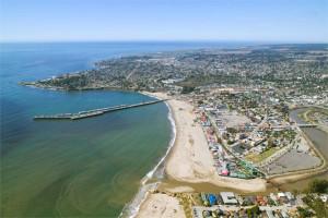 Beach aerial view at Aqua Breeze Inn.
