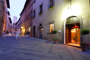 Exterior view of Hotel l'Antico Pozzo.