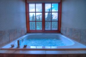Lodge amenities at Banff Caribou Lodge.