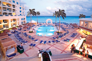 Outdoor pool at Gran Luxury Cancun.