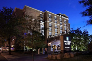 Exterior view of Embassy Suites St. Paul.