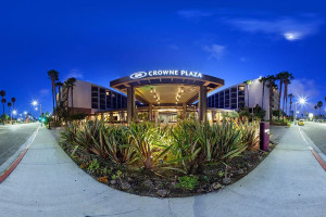 Exterior View of Crowne Plaza Redondo Beach and Marina