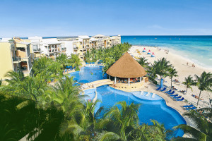 Exterior view of Gran Luxury Playa Del Carmen.