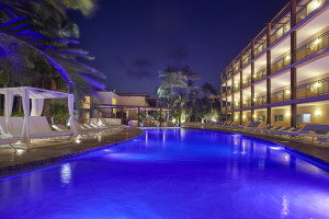 Outdoor pool at Divi Aruba Beach Resort.