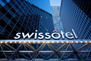 Exterior view of Swissotel Chicago.