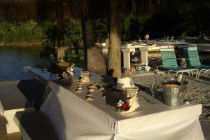 Dining at Rock Reef Resort.