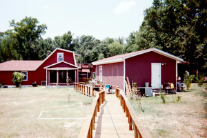 Exterior view of Tumble-On-Inn Bed & Breakfast.