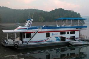 Houseboat Accommodations at Hendricks Creek Resort