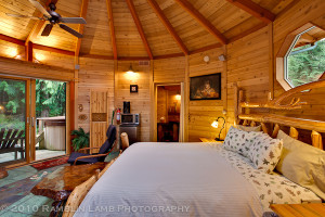 Cabin bedroom at Stormking Spa and Cabins.