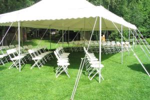 Outdoor wedding at Lost Lake Lodge.