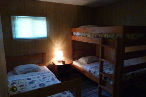 Guest bedroom at Black Gold Lodge
