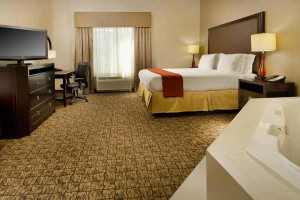 Whirlpool Suite at Holiday Inn Express Alexandria