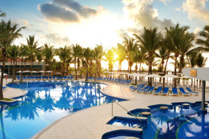 Outdoor pool at Hotel Riu Yucatan.