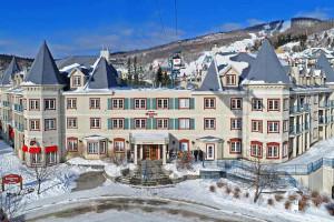 Exterior view of Residence Inn Mont Tremblant Manoir Labelle.