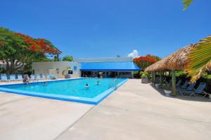 Rental outdoor pool at iTrip - Islamorada.