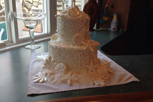 Wedding cake at The Meadowmere Resort.