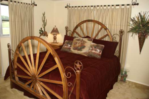 Guest bedroom at Rope The Wind Ranch B & B.