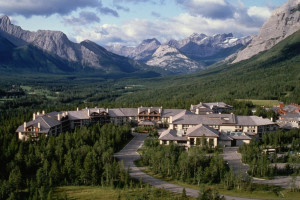 Exterior view of Delta Lodge at Kananaskis.