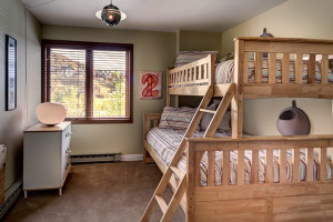 Rental bunk beds at Bear Claw Condominiums.