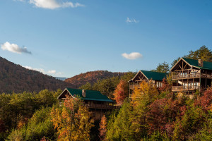 Cabin exterior at Eagles Ridge Resort.