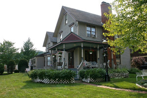 Exterior view of Victorian Rose Garden Bed and Breakfast.