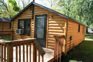 Cabin exterior at Hook Line & Sucher Resort.