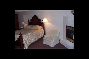 Guest room at Coachman's Golf Resort.
