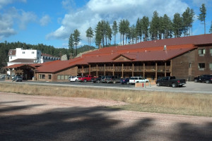 Exterior view of Rushmore Express Inn & Family Suites.