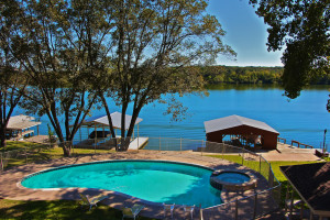 Azure Relaxin on LBJ Big House - 4/3, Sleeps 19, Boat Dock, Jet-Ski Lift, Pool, Jacuzzi, WI-FI