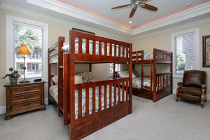 Rental bunk beds at Southern Vacation Rentals.