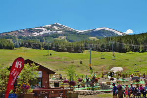 Mini golf near Breckenridge Discount Lodging.