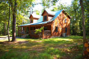 Cottage exterior at Berkeley Springs Cottage Rentals.