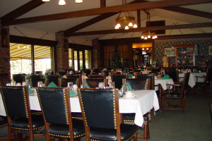 Dining at Lakewood Shores Resort.