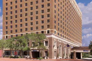 Exterior view of Hilton Fort Worth.