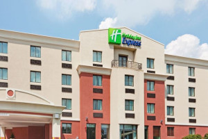 Exterior View of Holiday Inn Express Saugus (Logan Airport)