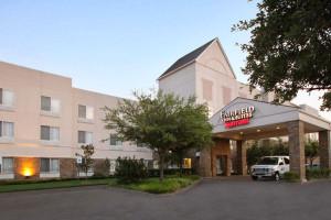 Exterior view of Fairfield Inn & Suites Dallas Las Colinas.