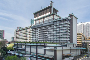 Exterior view of Hotel Okura.