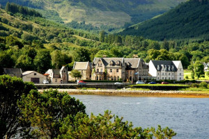 Exterior view of Ballachulish Hotel.